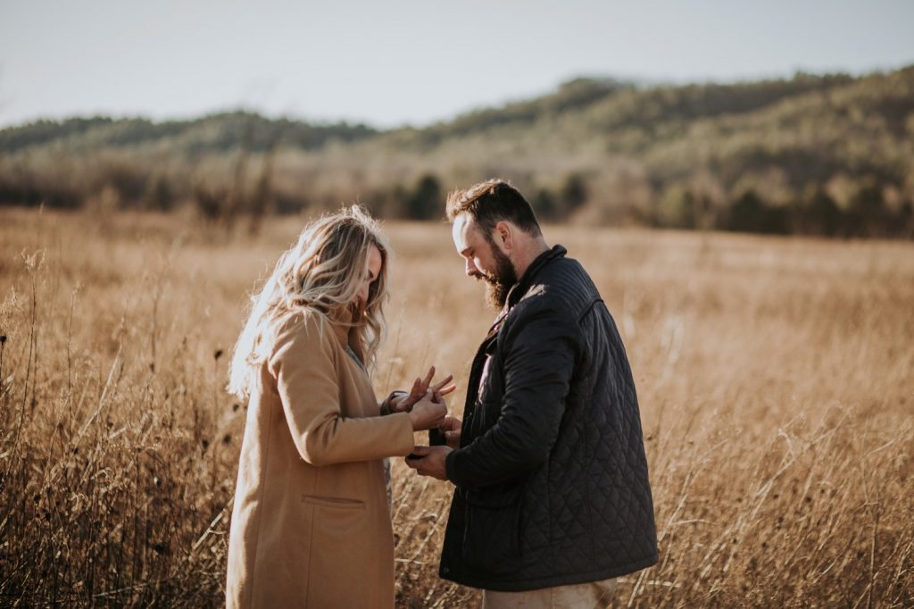 Proposing In The Smokies Gatlinburg Photographer Proposal Great Smoky Mountains National Park Cades Cove